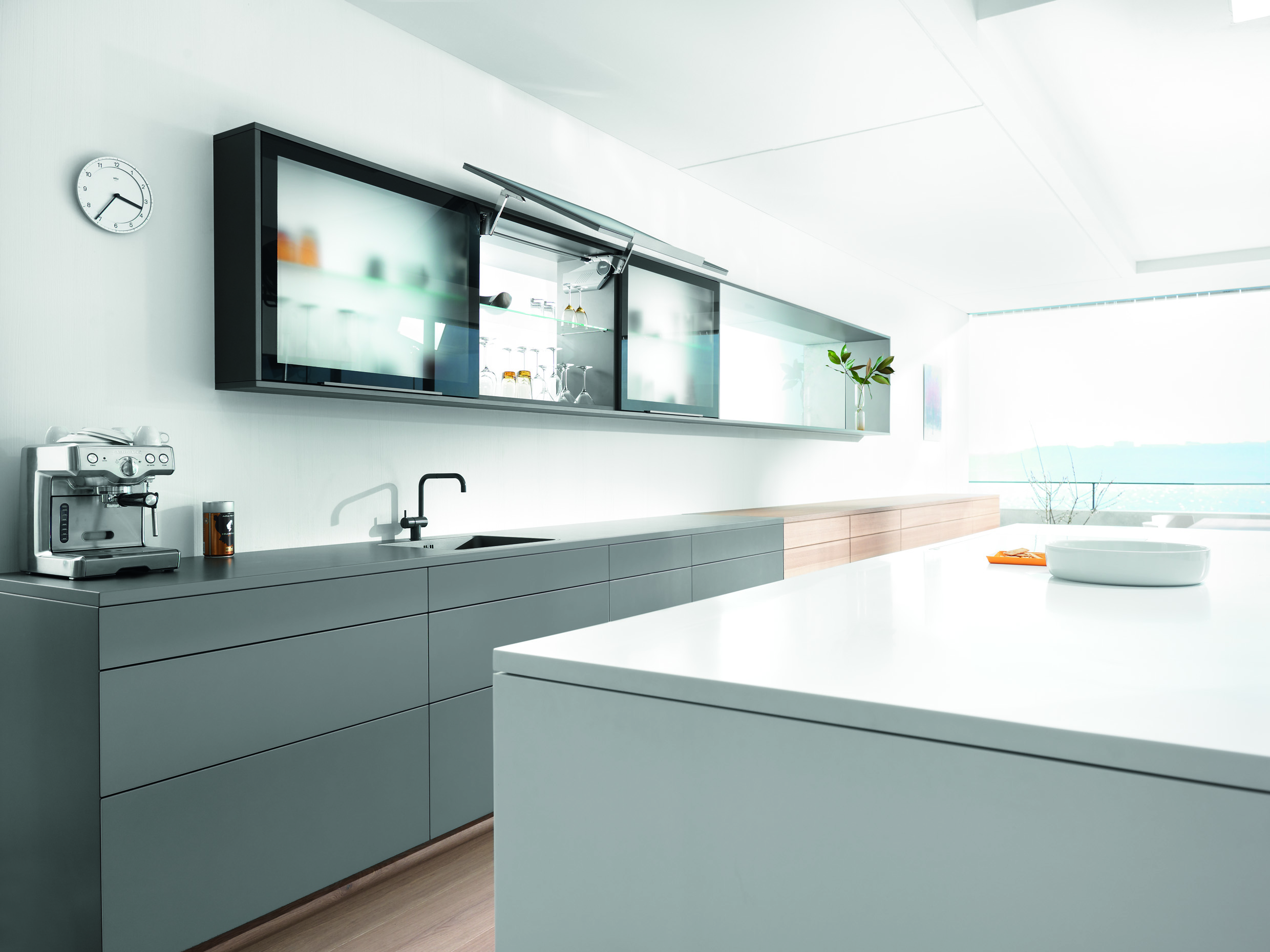 Blum offers a diverse programme of lift systems for the entire home ...